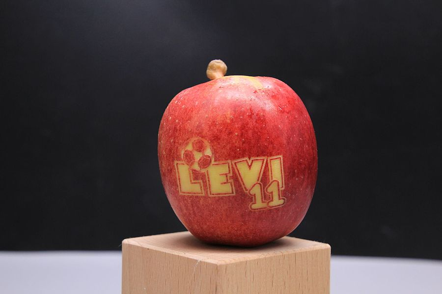 laser-engraving-apple-368